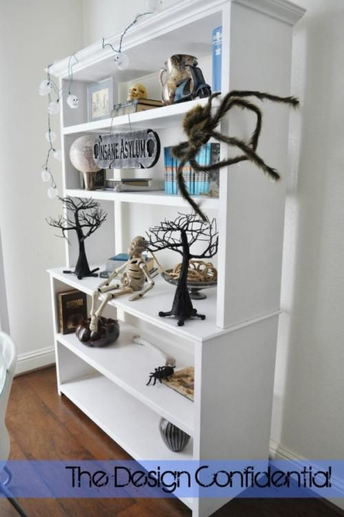 I wonder if I have the skills (read: patience) to make these for my Office.  Also wondering if the base could be slightly altered for lateral file drawers.  That may be just a bit ambitious!  LOL