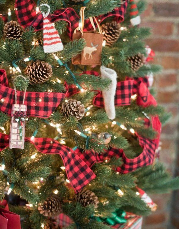 Beautiful Red And Black Christmas Tree Garland The Garland Is 5 Inches Wide Plaid Christmas Decor Buffalo Plaid Christmas Decor Real Christmas Tree