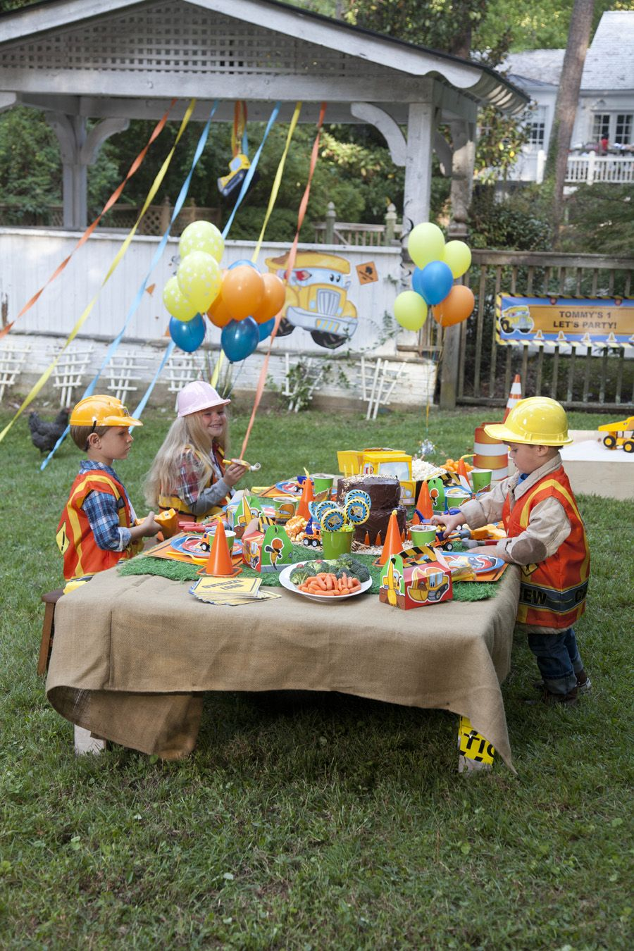Construction Pals Birthday Party Planning Guide #Birthday #Kids #BirthdayExpress