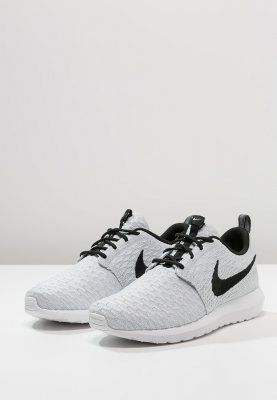 watch 9c7f8 f7f24 Nike Sportswear - FLYKNIT ROSHE ONE - Sneakers - white black wolf grey pure  platinum