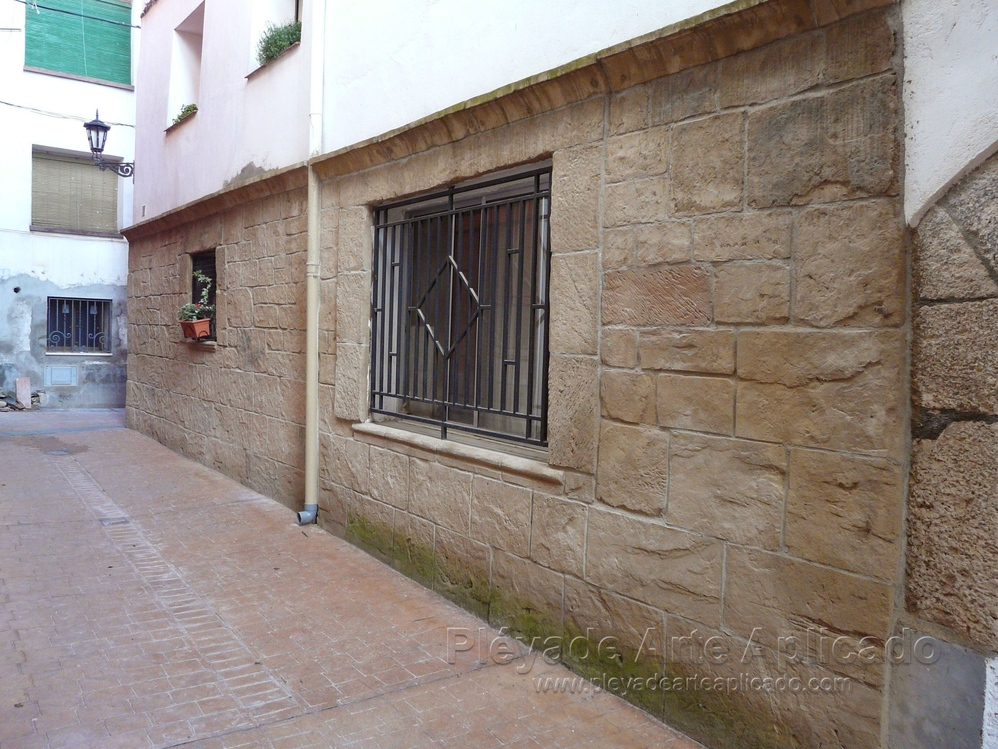 Tematizaci n de fachada con piedra artificial de txt - Piedra artificial para fachadas ...