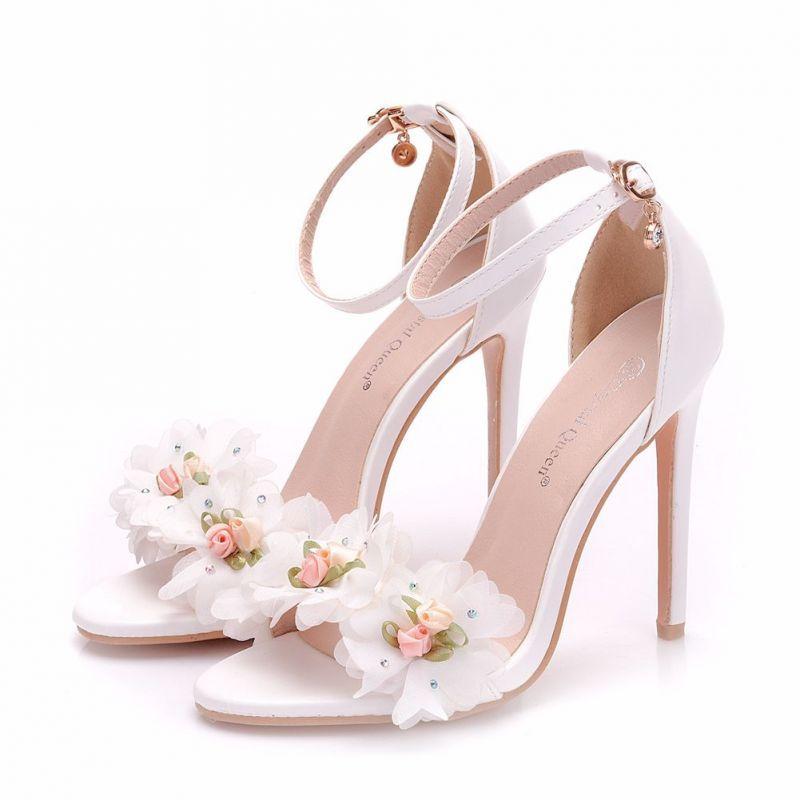 Piekne Biale Buty Slubne 2018 Aplikacje Rhinestone Z Paskiem 11 Cm Szpilki Peep Toe Slub Wysokie Obcasy Wedding High Heels Womens Wedding Shoes Girly Shoes