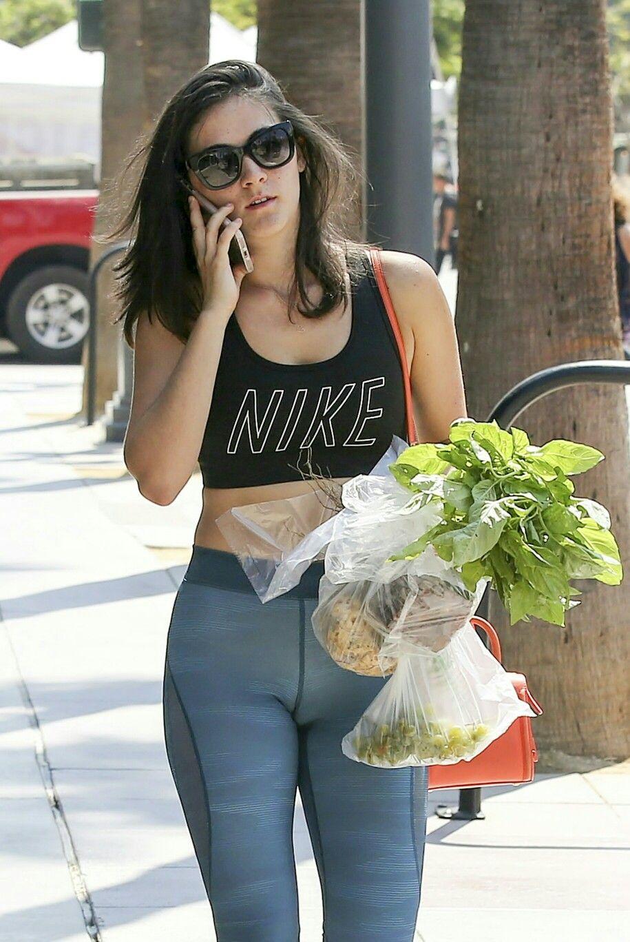 Objetado Brillante Desgastado  Isabelle Fuhrman   Tight pants, Actresses, Girl