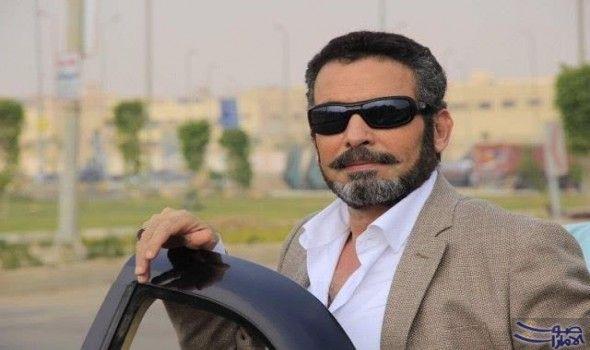 أحمد عبد العزيز يوض ح أنه صو ر نصف مشاهده في الأب الروحي Mens Sunglasses Square Sunglasses Men Sunglasses