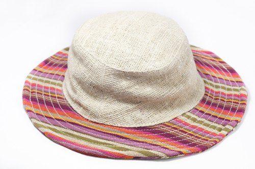 剛剛逛 Pinkoi,看到這個推薦給你:民族拼接手織棉麻帽 / 針織帽 / 漁夫帽 - 熱帶民族條紋色 ( 限量一件 ) - https://www.pinkoi.com/product/HYnCujOX