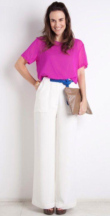 Calca de alfaiataria branca + blusa pink