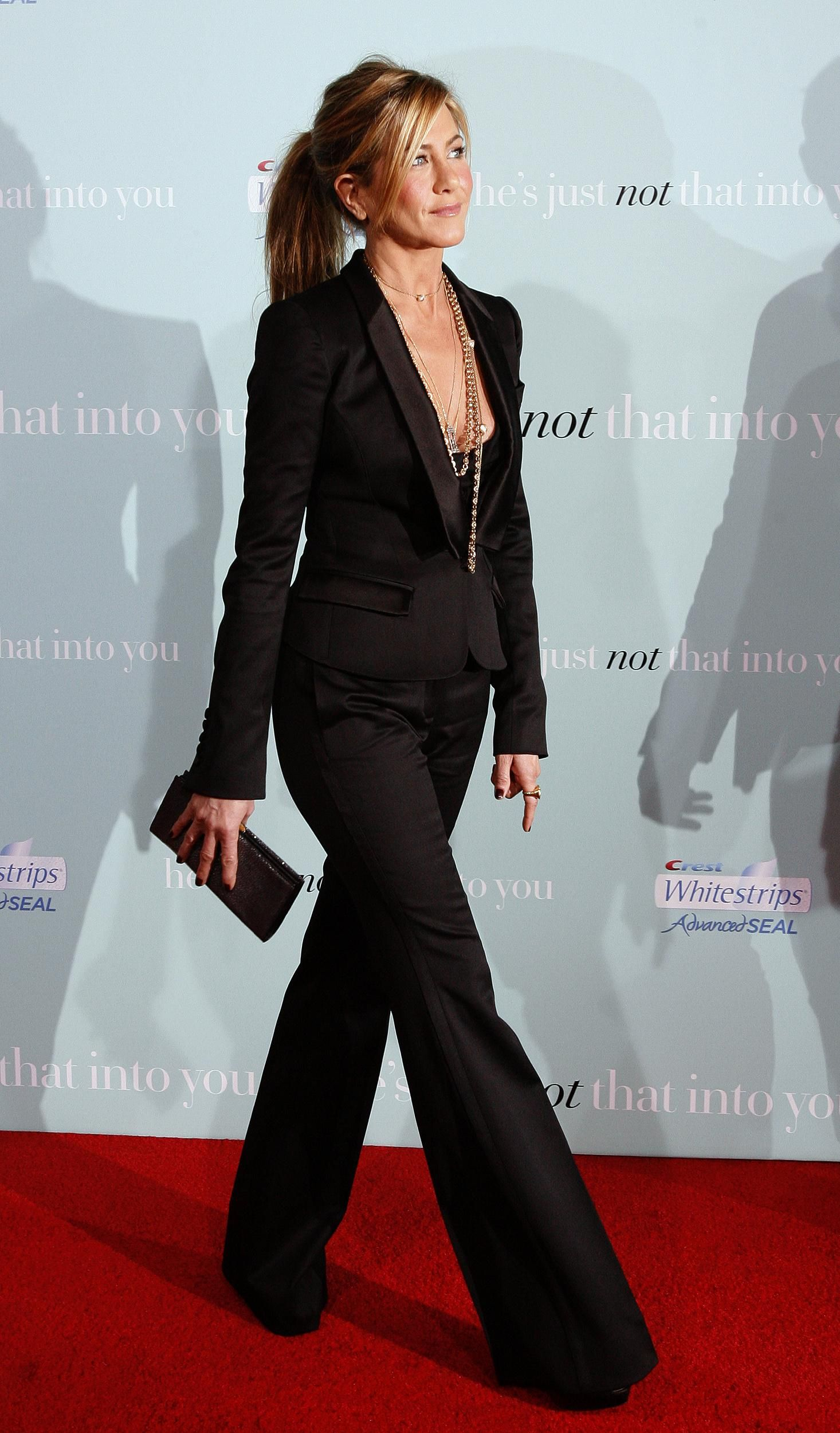Jennifer Aniston: Her 20 Sexiest Fashion Moments   Fox News Magazine love  this look
