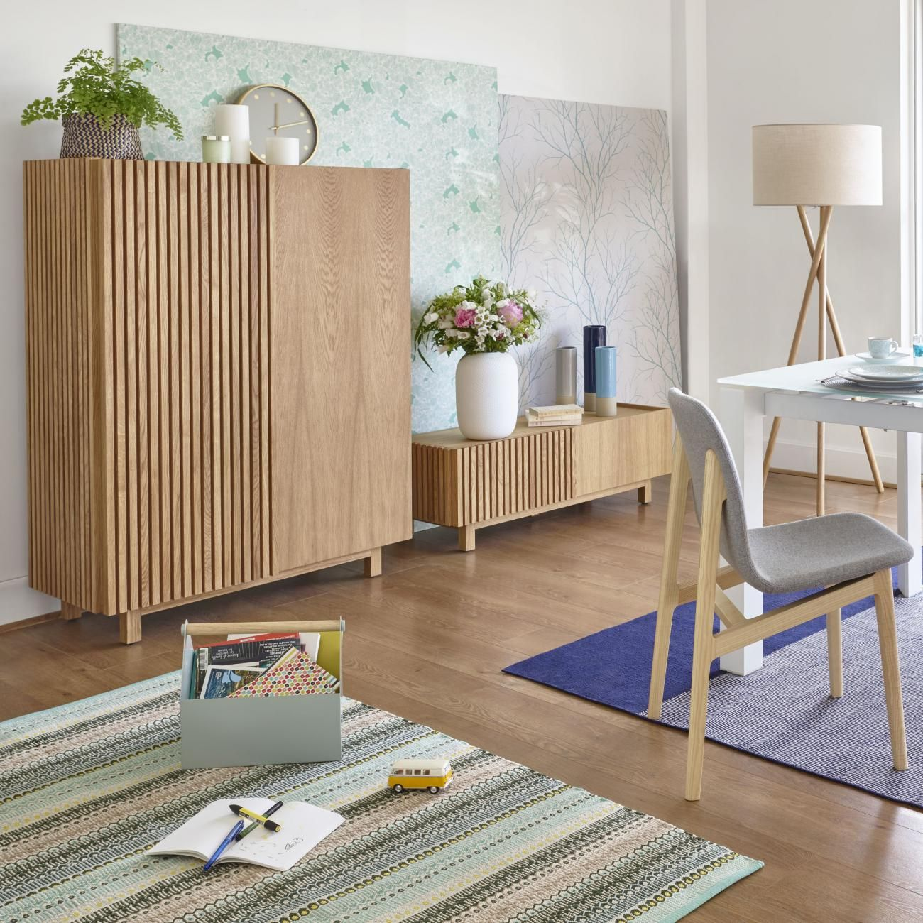 Epingle Par Habitat Page Officielle Sur Habitat Inspiration Scandinave Buffet Haut Deco Interieur Salon Meuble Haut Salon