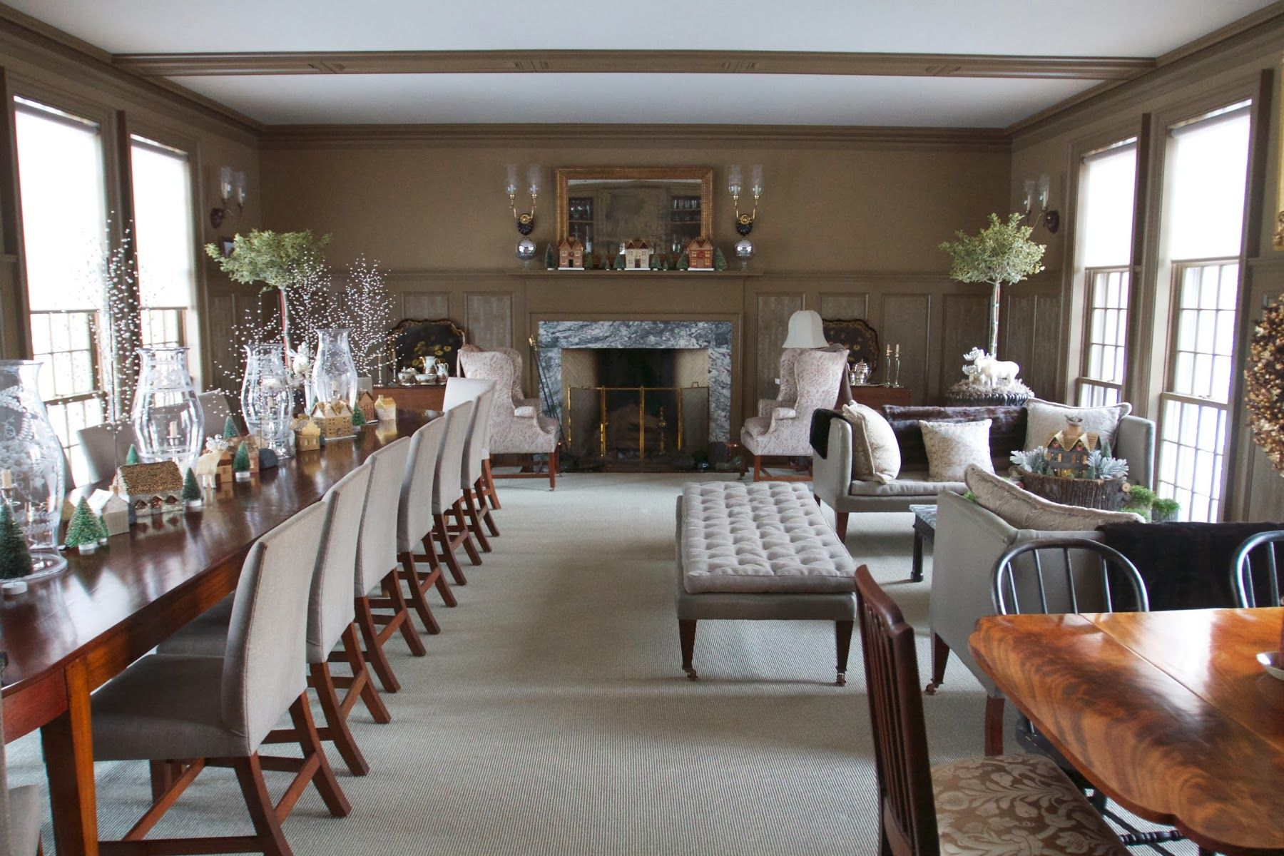 Martha stewarts brown dining room people martha stewart martha stewarts brown dining room dzzzfo