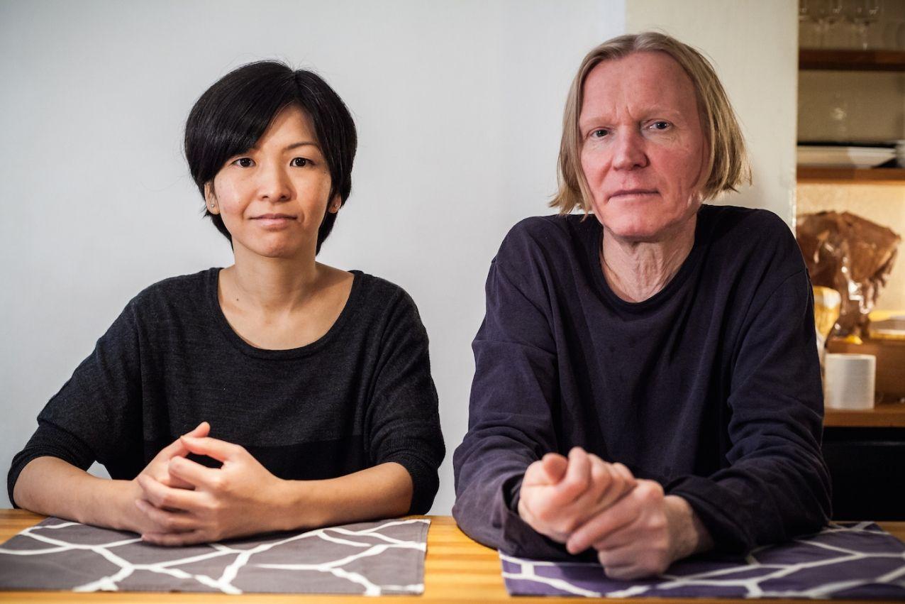 Weekly Studio vierailee suomalais-japanilaisen Harni-Takahashin studiolla keskustelemassa kestävästä valmistuksesta, uuden tekniikan yllättävistä yhteiskunnallisista vaikutuksista ja teollisen muotoilun teoriapohjan tarpeesta.