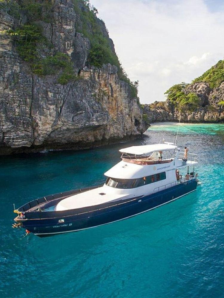 Pin by Alluio on Luxury boats in 2020   Boats luxury, Boat ...