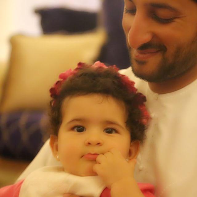 Nouf bint Juma con su padre, Juma bin Dalmook bin Juma Al Maktoum, 22/02/2015. Vía: jumadalmookalmaktoum