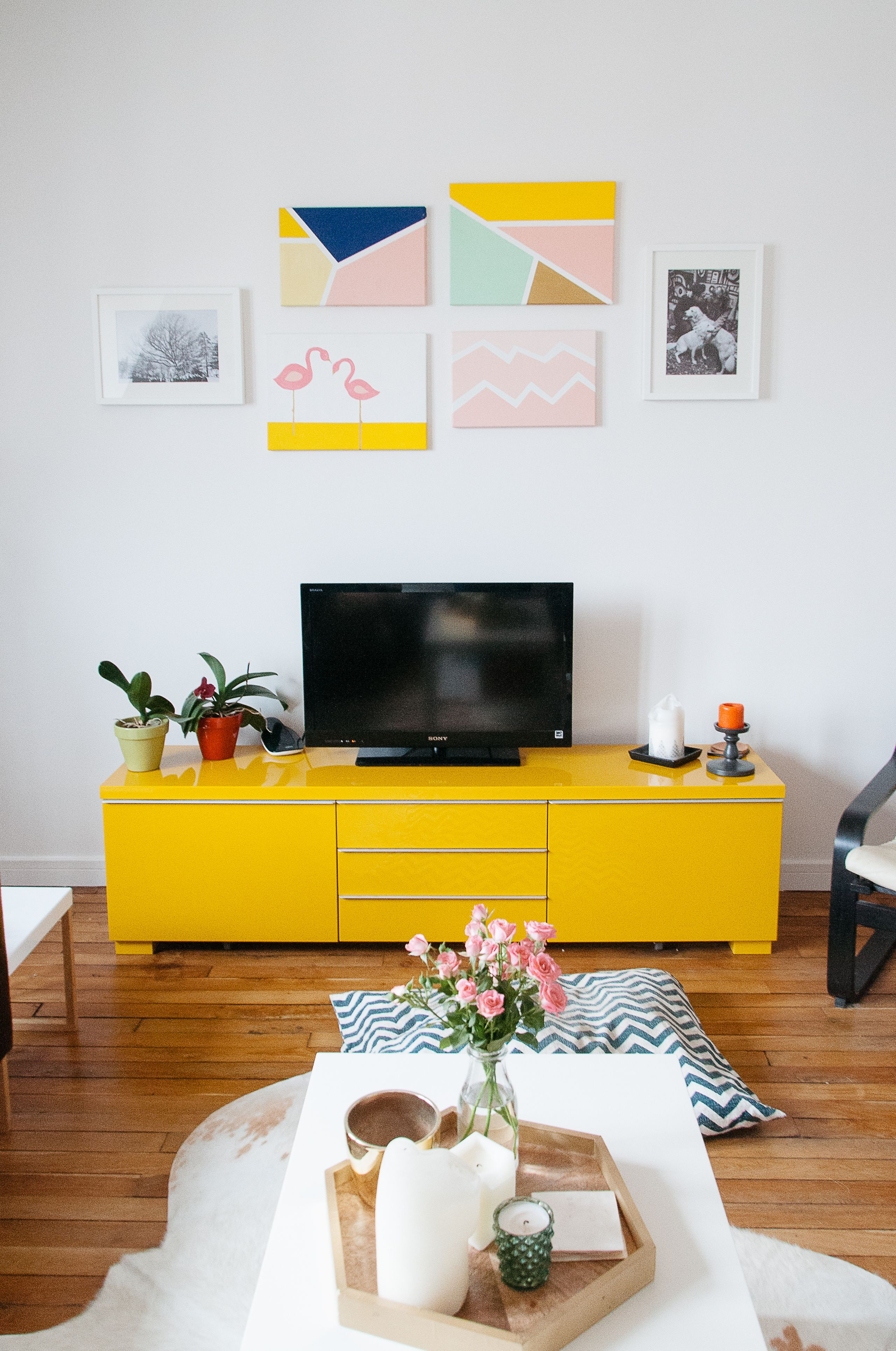 Paint colors that match this Apartment Therapy photo: SW 6356 Copper ...