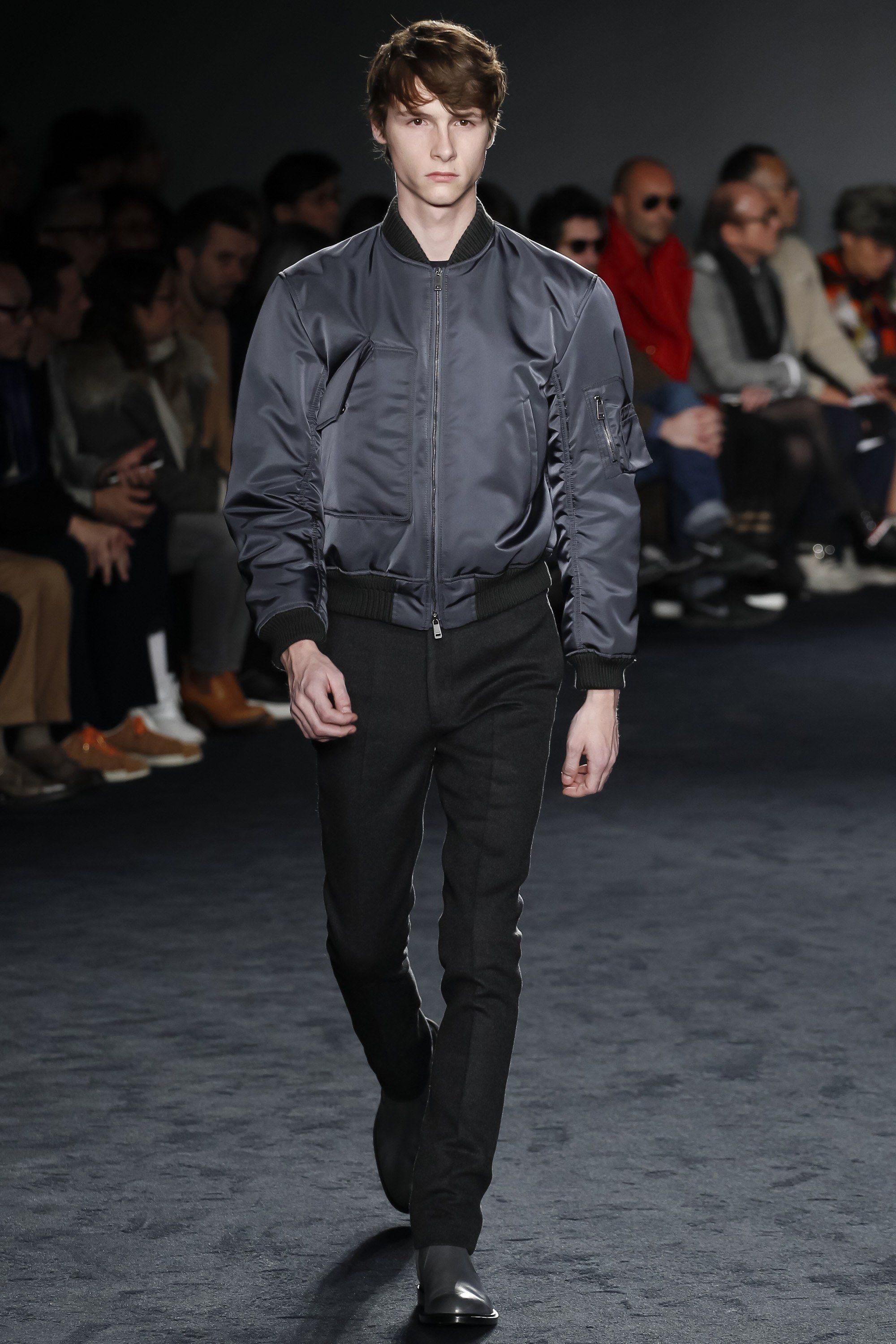 See the complete Jil Sander Fall 2016 Menswear collection.