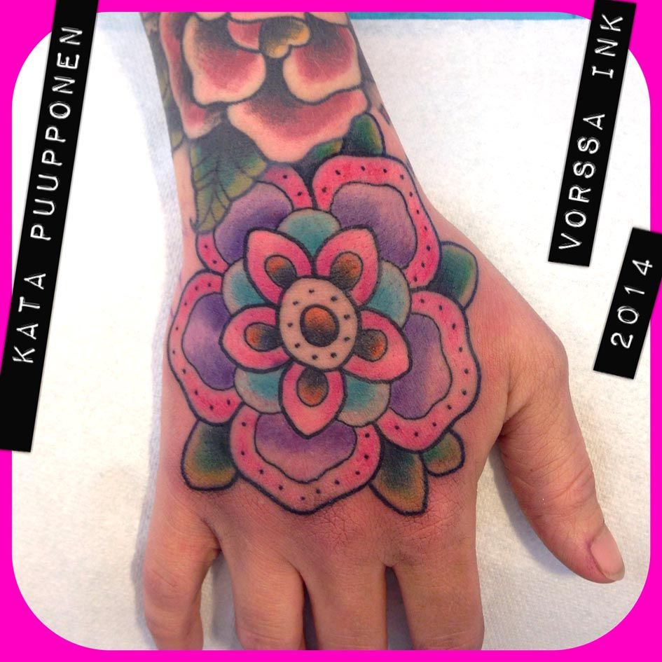 https://www.facebook.com/VorssaInk, http://tattoosbykata.blogspot.fi, #tattoo #tatuointi #katapuupponen #vorssaink #forssa #finland #traditionaltattoo #suomi #oldschool #pin up #flower