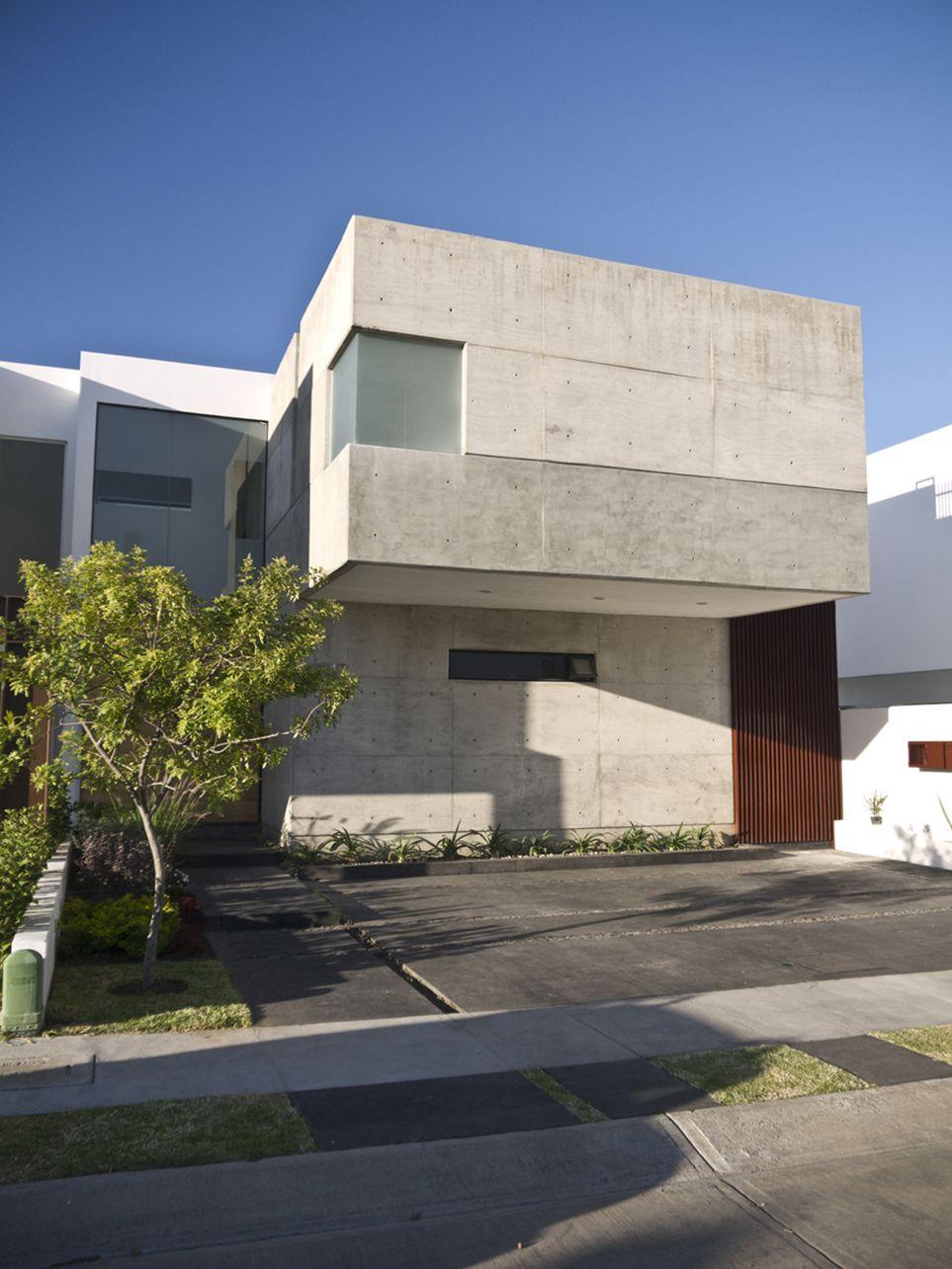 Casa GR / em-estudio