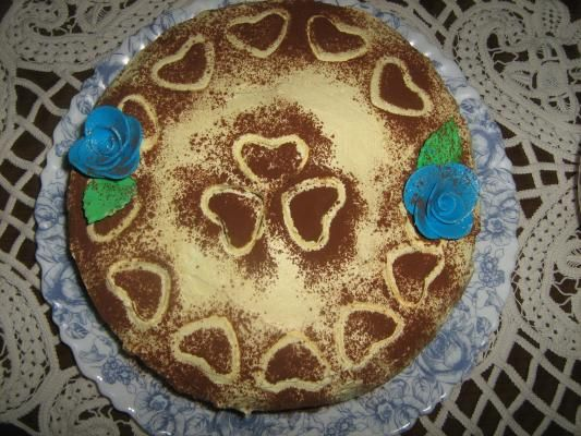 Zaljubljene jabuke - Jabuke očistiti i izdubiti. Pomešati mlevene orahe i keks sa šećerom i popariti sa malo mleka. Dodati suvo grožđe, vanilin i cimet...