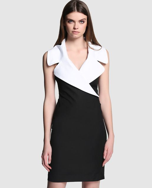6198cd206 Vestido corto de mujer Boutique Moschino con gran solapa