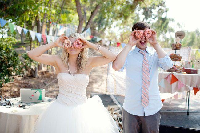 Un mariage de cirque vintage fait à la main: Ashley + Ricky – Partie 2 | Chaussures de mariage vertes   – ♡Just the Two of Us♡