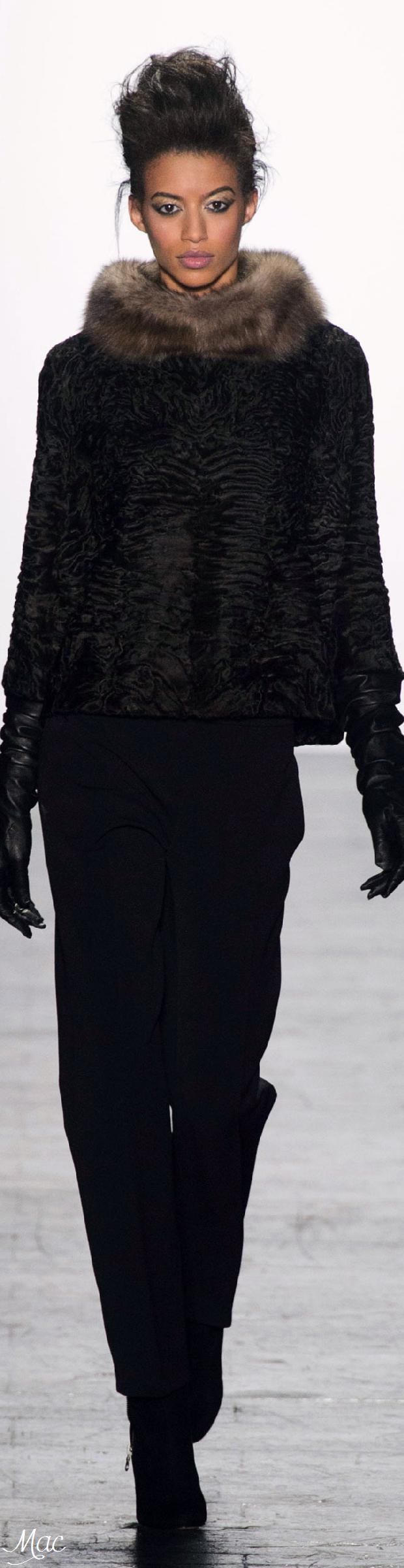Fall 2016 Ready-to-Wear Carmen Marc Valvo