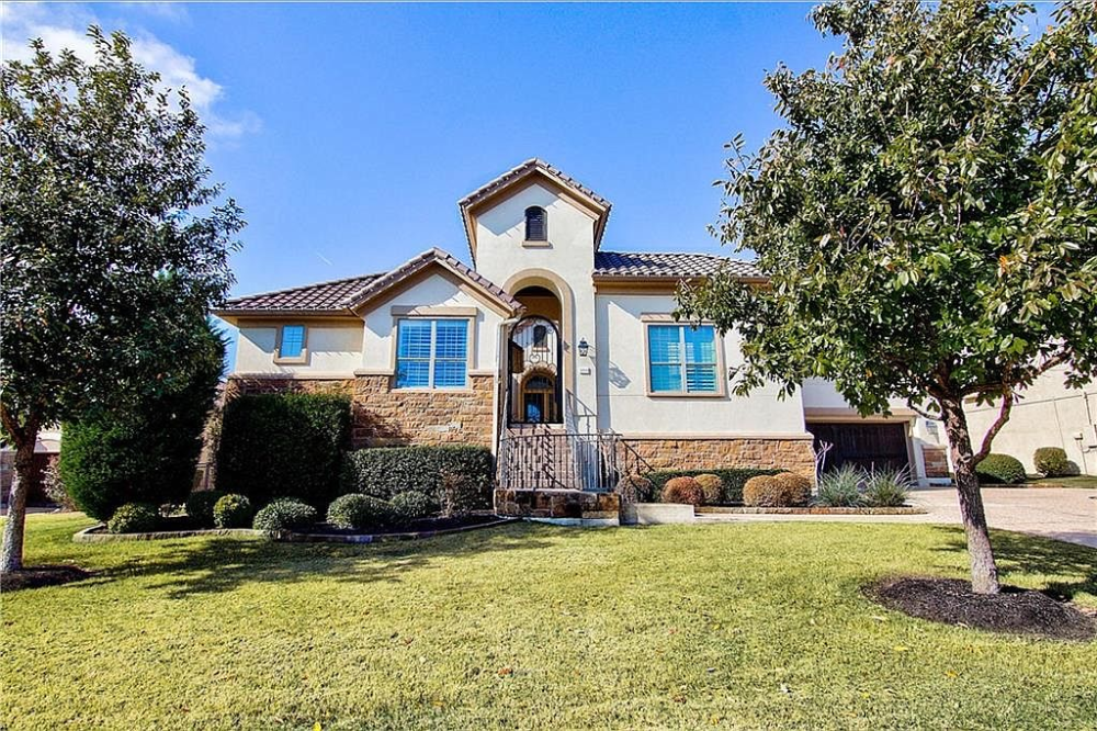 Zillow Has 114 Homes For Sale In Austin Tx Matching 5 Bedrooms And 3 Bathrooms View Listing Photos Review Sales His Single Level Floor Plans Shoreview Zillow