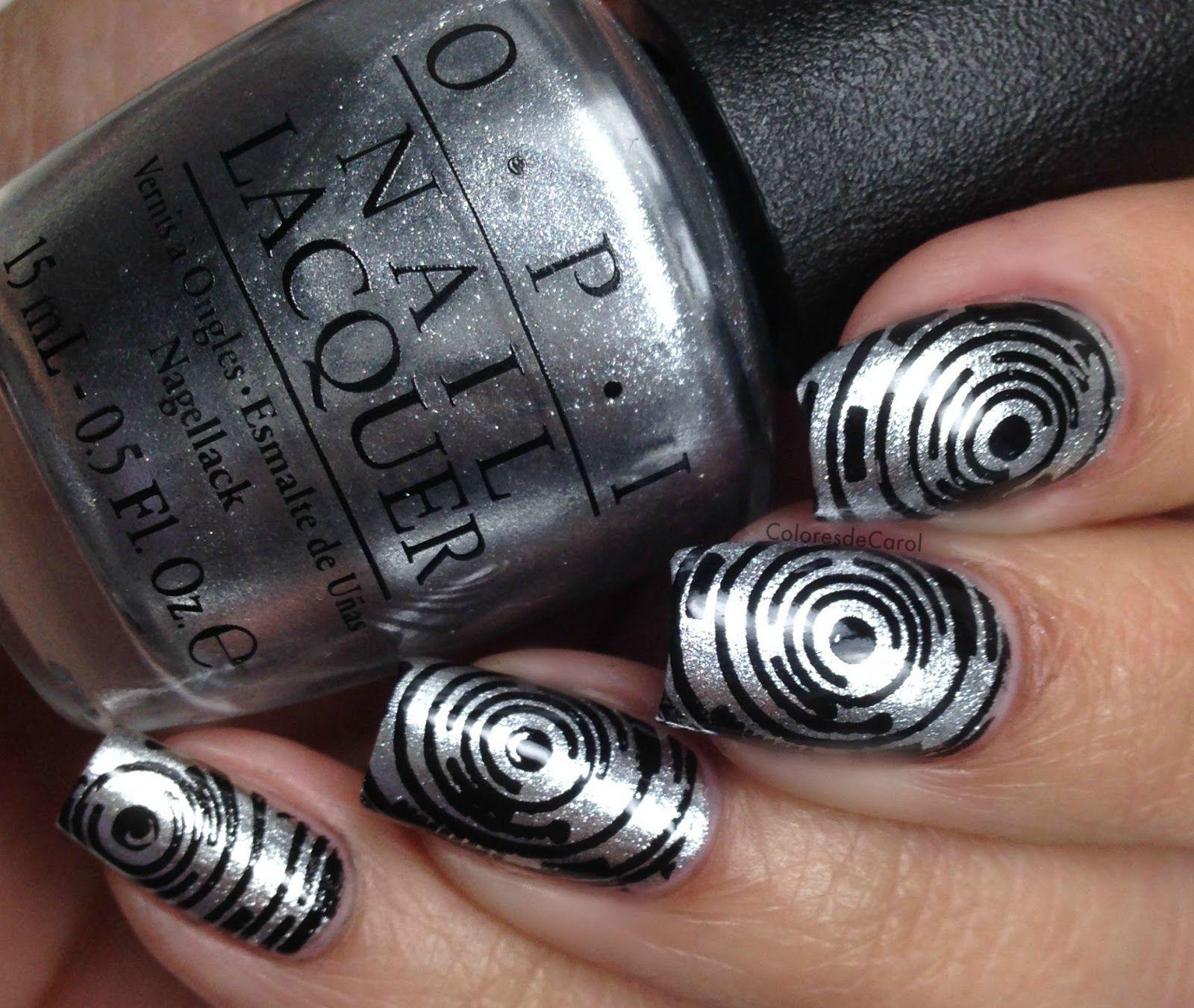Colores de Carol: OPI Coca Cola Nail Art