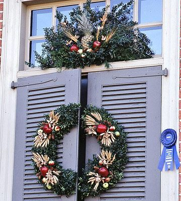 Christmas Wreaths Williamsburg Christmas Christmas Wreaths Diy Christmas Door
