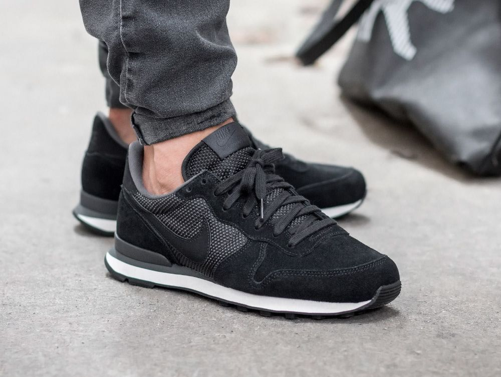 nike internationalist homme noir