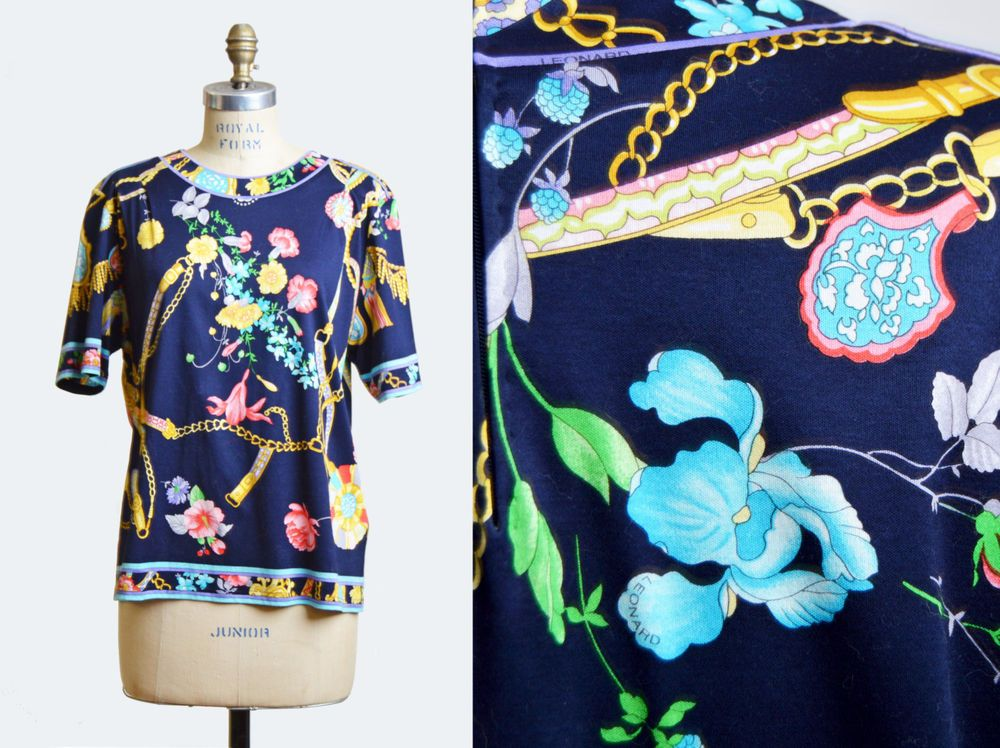 Floral 80s Era Vintage Blouse Estimated Size Large: A cute muted tone button up blouse with a 40 waist