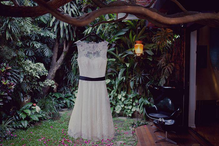REAL BRIDE { Bel Wilker + Diogo Almeida} short AUDREY HEPBURN wedding gown by A MODISTA atelier   photos L'amourghaphy   São Paulo . Brazil