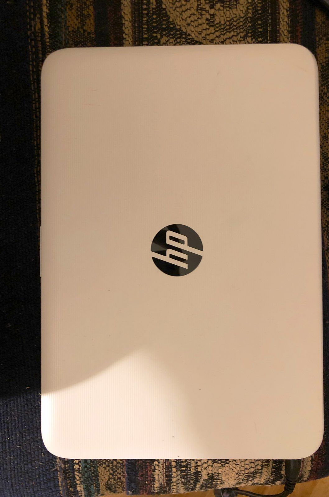 Hp 11 6 Stream Laptop With Windows 10 In S Mode With Charger Working Perfectly Ready To Ship Comes With Charger First Come Laptop Hp Laptop When I See You