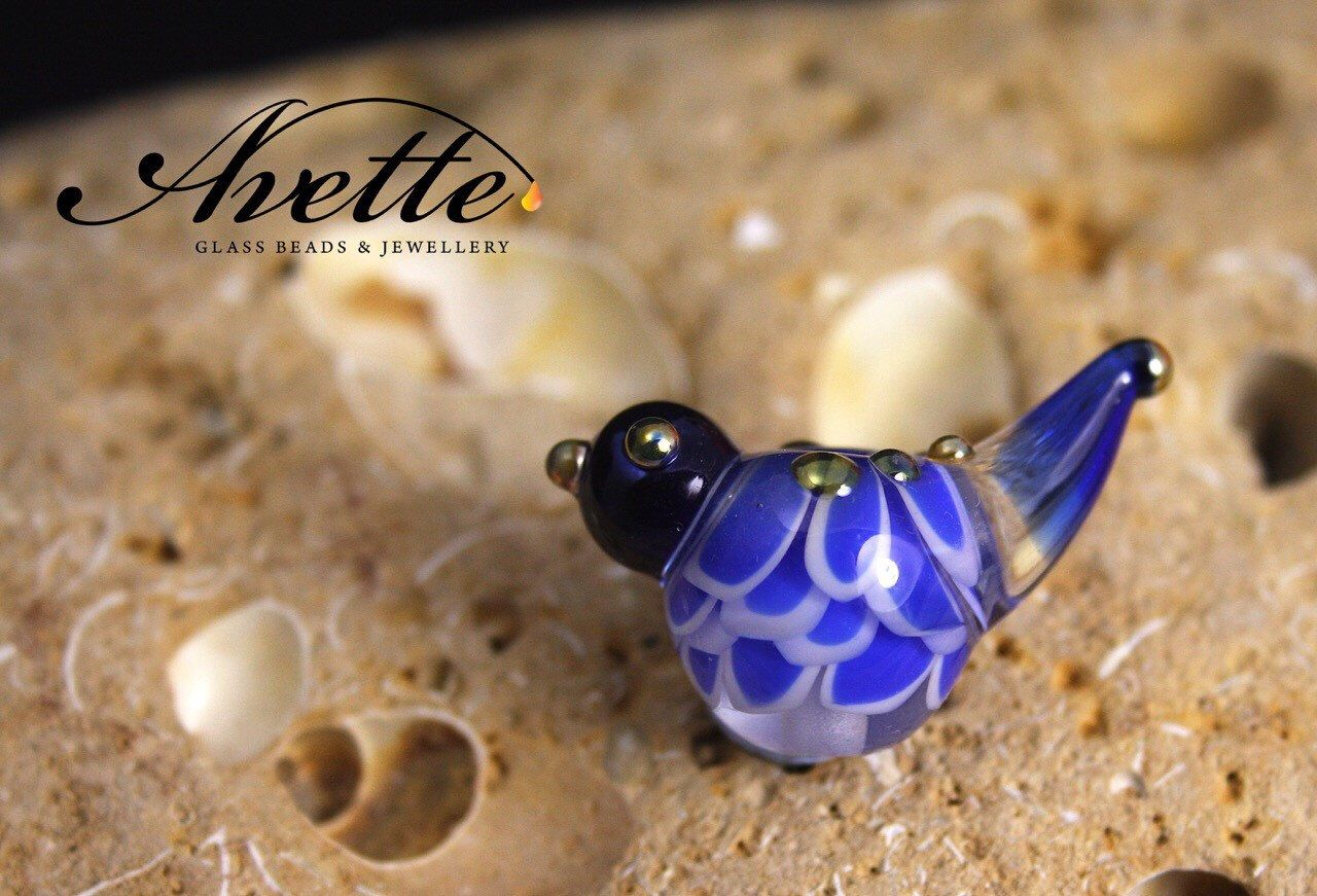 Bernadette.  Lampwork glass bird bead. Blue bird.  Avetteglass  Avette. Pendant bead artisan handmade glass bead by AvetteGlass on Etsy https://www.etsy.com/uk/listing/278487702/bernadette-lampwork-glass-bird-bead-blue