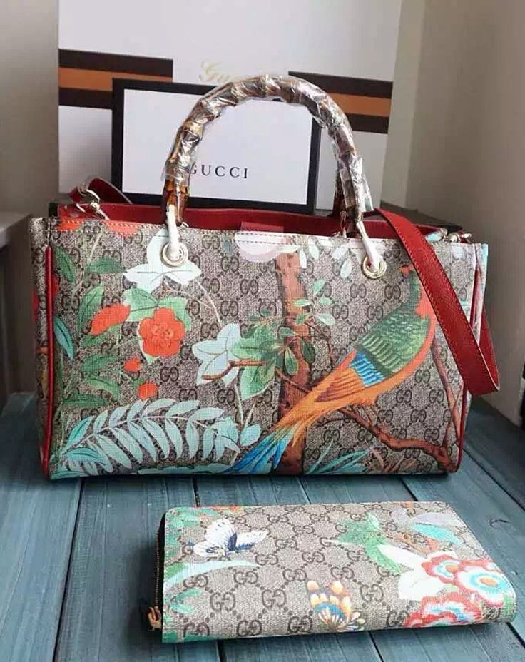 5fbe7f81ec8 Gucci Tian Bamboo Shopper Tote is the new innovation from Gucci. It is  constructed from