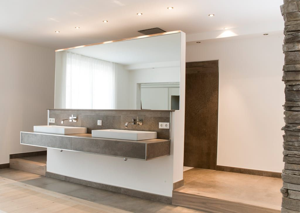 Moderne Badezimmer Bilder Wellnessoase in Einfamilienhaus bietet - die schönsten badezimmer