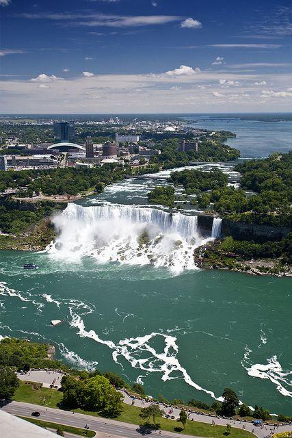 Places To See On The U S Canada Border Travel Trivia Niagara Falls Niagara Falls State Park Tourist Destinations