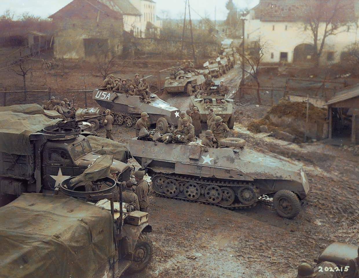 Dodge trucks in wwii - Two Captured German Armored Half Tracks Sch Tzenpanzerwagen Sd Join A Mechanized Column Of Armored Dodge Trucks And Greyhounds Of The Battalion