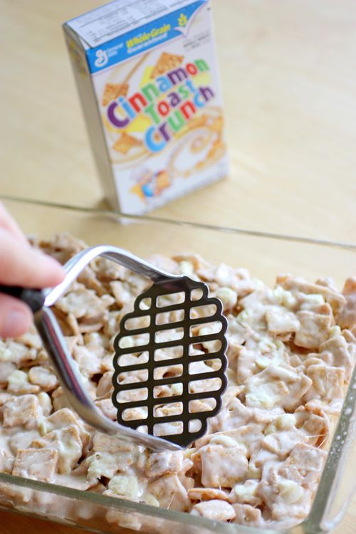 Cinnamon Toast Crunch Marshmallow Treats .... about to make these .... but adding in milk chocolate chips.