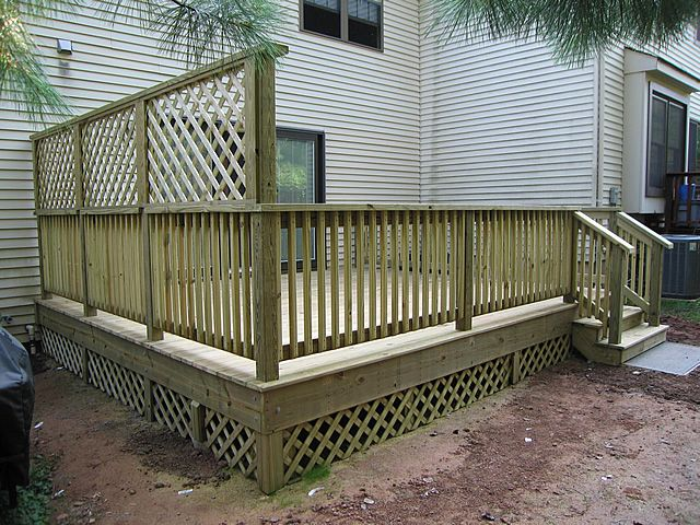 Planter box privacy screen pressure treated deck for for Townhouse deck privacy ideas