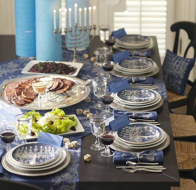 Pretty Table Decorations 12 beautiful table settings for hanukkah | digsdigs | tablescapes