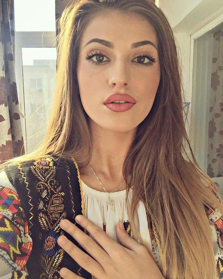 transylvania women Transylvania's best 100% free online dating site meet loads of available single women in transylvania with mingle2's transylvania dating services find a girlfriend or lover in transylvania, or just have fun flirting online with transylvania single girls.