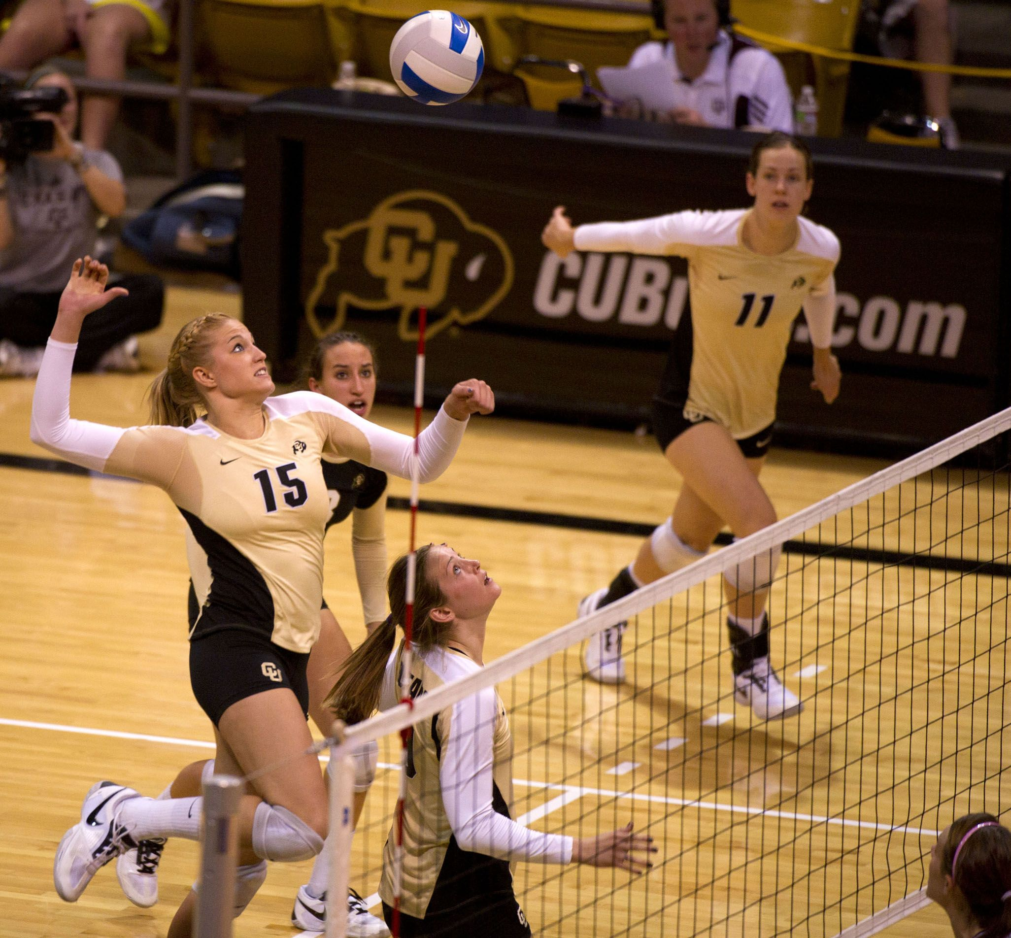 Buffs Volleyball Falls To Aggies Cu Independent Volleyball Broncos Fans Dream School