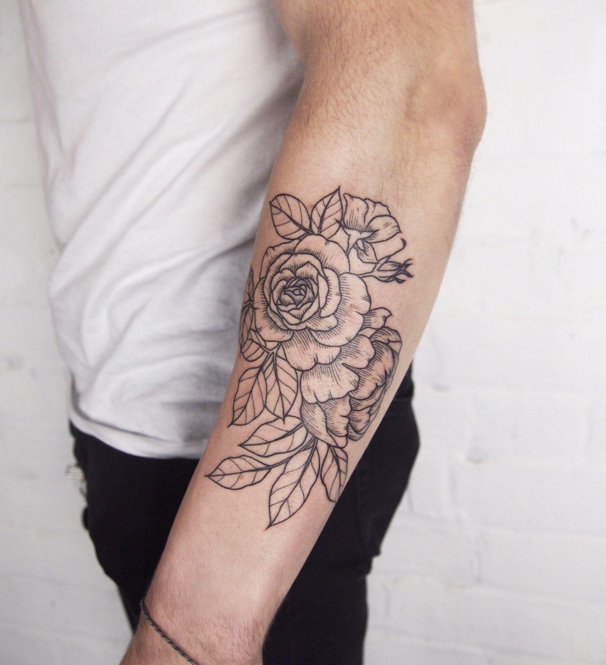Rose And Peony Linework Tattoo People Toronto Jess Chen Line Work Tattoo Tattoos Tattoo People
