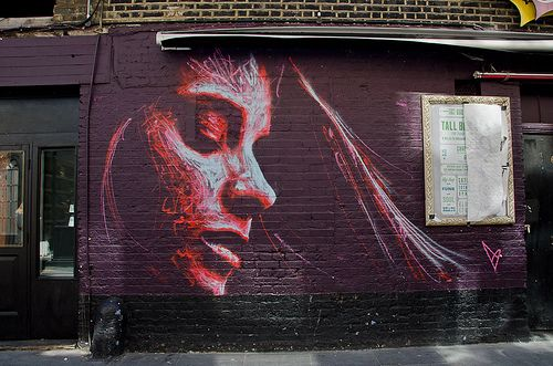 The East #London borough of Hackey has loads of unique and beautiful street art! 28 Photos of East London Street Art. Click here for more photos: http://www.everintransit.com/photos-of-east-london-street-art/