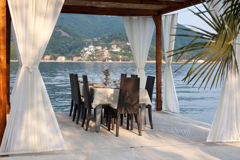 Romantic dinner under canopy, Porto Mare beach