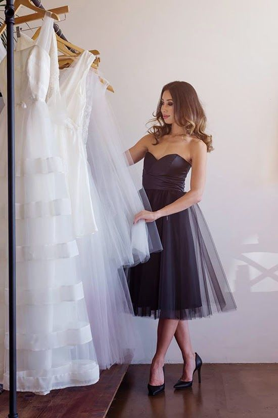 9939c86c837 Scroll along to see more black on white wedding ideas that you should  definitely steal for yourself!