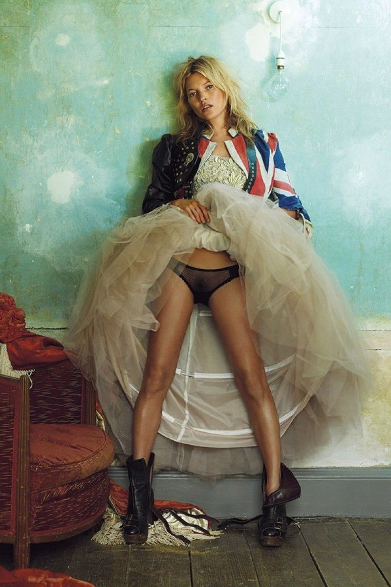 Model natasha poly butt flash while upskirt in france