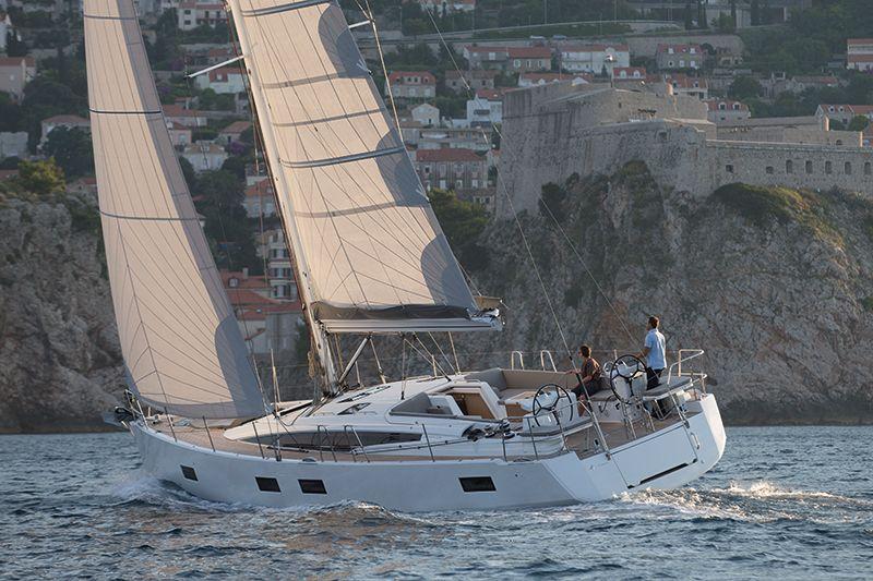 M/Y Taransay: A True Gentleman's Motor Yacht | LUXUO