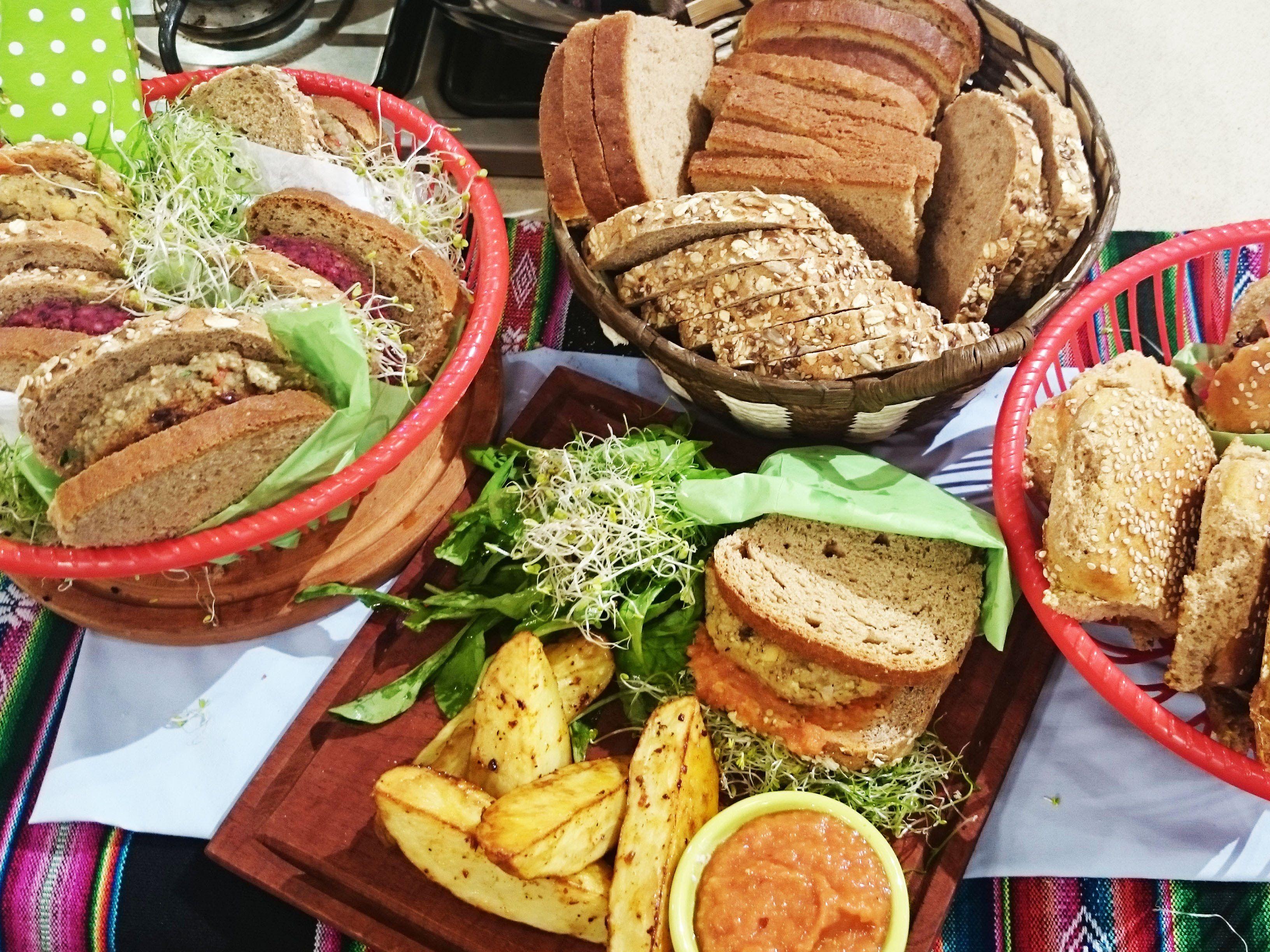 Hamburguesas de cebada y porotos mung youtube a hamburguesas de cebada y porotos mung youtube argentinavegetarian cookingyummy recipesyummy forumfinder Gallery