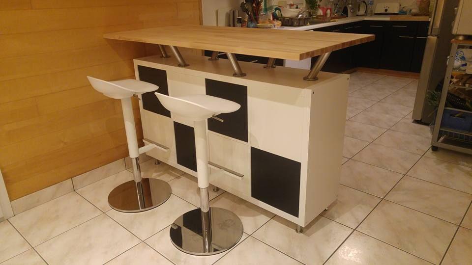 Un Bar Mange Debout Vaisselier étagère Ikea Ilot De