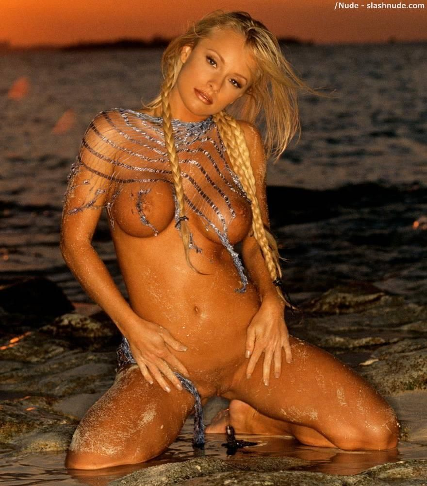 Anna pressly nude